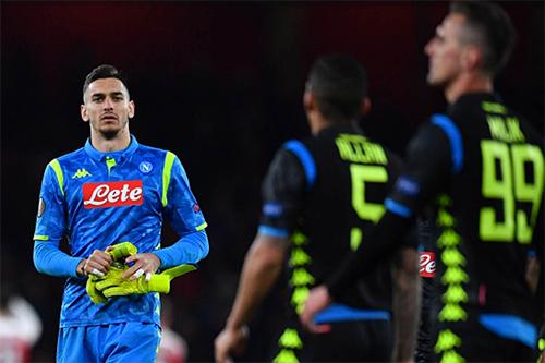 Những pha cứu thua của Meret giúp Napoli tránh khỏi một thất bại đậm tại Emirates.
