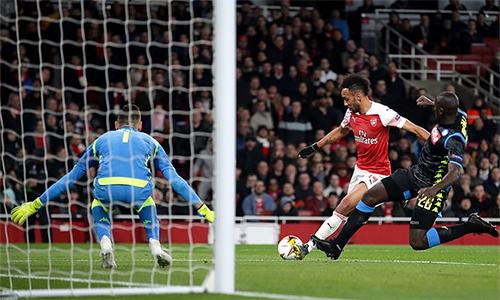 Rất nhiều cơ hội được tạo ra, nhưng Arsenal chỉ có thể ghi hai bàn.
