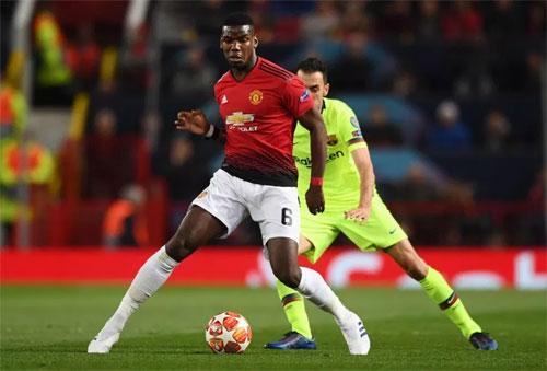 Pogba quyết tâm vượt qua Barca ở lượt về. Ảnh: Reuters