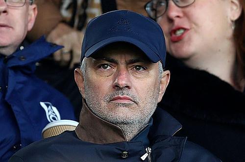 Mourinho dự khán trận đấu của Fulham - ảnh 1