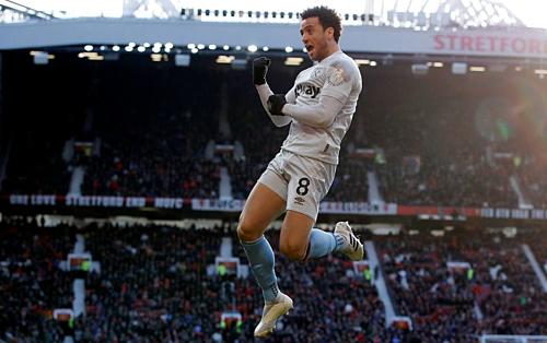 Anderson mừng bàn thắng vào lưới De Gea. Đáng ra anh đã có thể làm điều này trong hiệp một, nếu như trọng tài không bắt việt vị sai. Ảnh: Reuters.