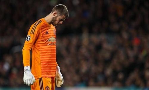 De Gea mắc sai lầm đáng trách trong trận thua của Man Utd. Ảnh: Reuters.