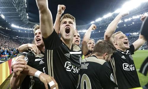 Sau khi loại Real, Ajax lại làm nên lịch sử khi đánh bại Juventus để vào bán kết. Ảnh: Rex.