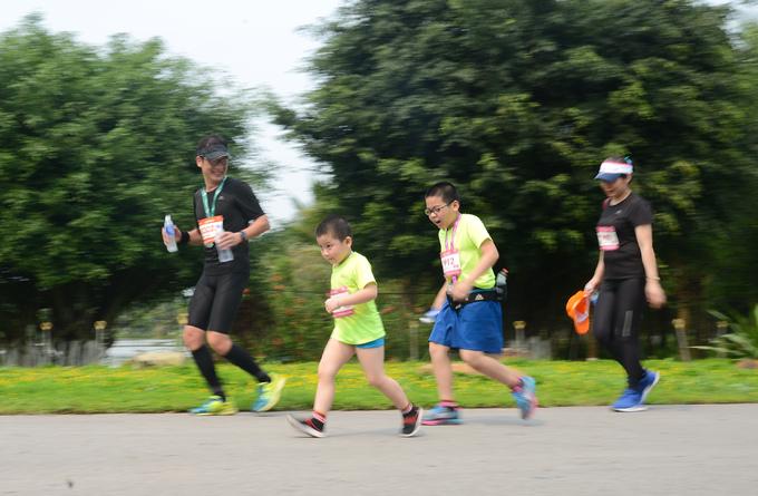 Ecopark Marathon - ngày hội chạy giữa miền xanh của 4.500 runner