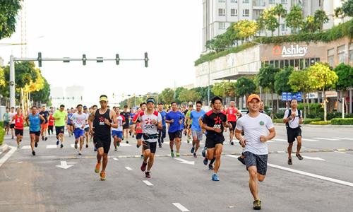 Với 308 người, SRC đang là nhóm chạy có đông thành viên nhất đăng ký dự VnExpress Marathon 2019.
