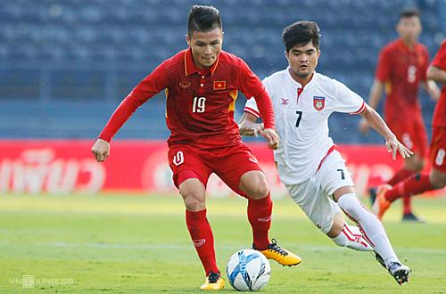 Quang Hải và đồng đội trong chiến thắng 4-0 trước U23 Myanmar ở giải giao hữu M150 Cup 2017 tại Thái Lan. Ảnh: Anh Khoa.