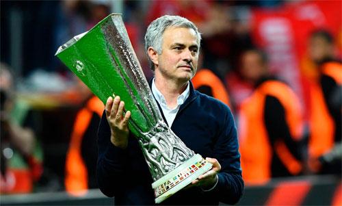 Mourinho đem lại Europa League năm 2017 cho Man Utd. Ảnh: Reuters