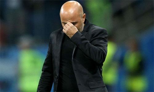 Jorge Sampaoli phải ra đi hồi tháng 6 năm ngoái. Ảnh: Reuters