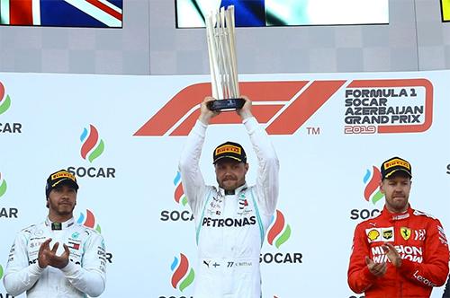 Ferrari chỉ có Vettel về ba tại Baku, ngậm ngùi chứng kiến Mercedes chiếm hai vị trí cao nhất qua cả bốn chặng đầu F1 2019.