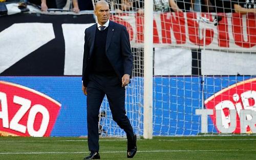 Zidane tức giận với những gì học trò thể hiện trong trận thua Rayo. Ảnh: Reuters.