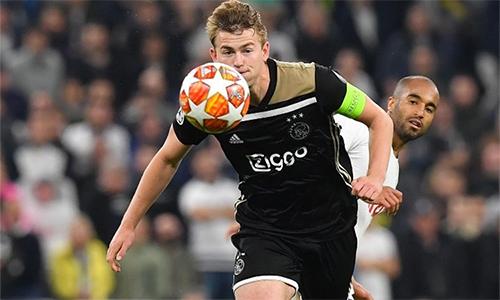 De Ligt cùng đồng đội đã chiến đấu vất vả để bảo vệ thành quả trên sân Tottenham.