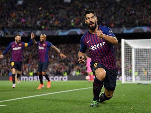 Suarez ghi bàn 500 của Barca tại Champions League. Ảnh: Reuters