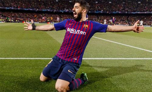 Suarez mừng bàn vào lưới Liverpool. Ảnh: Reuters