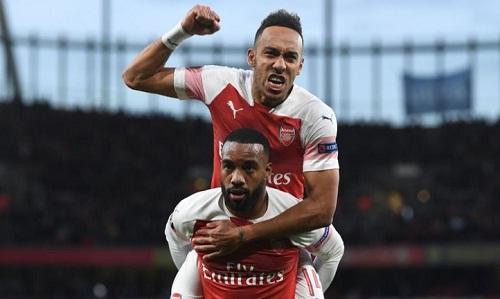Aubameyang và Lacazette tạo cảm hứng cho chiến thắng của Arsenal. Ảnh: Reuters.