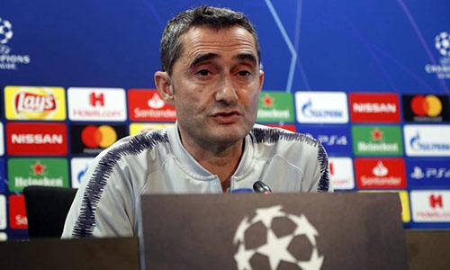 Valverde thận trọng dù dẫn Liverpool 3-0. Ảnh: Reuters.