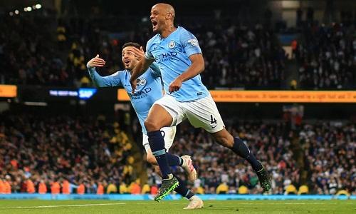Kompany ghi một trong những bàn thắng đẹp và đáng nhớ nhất trong sự nghiệp của anh. Ảnh: Man City FC.