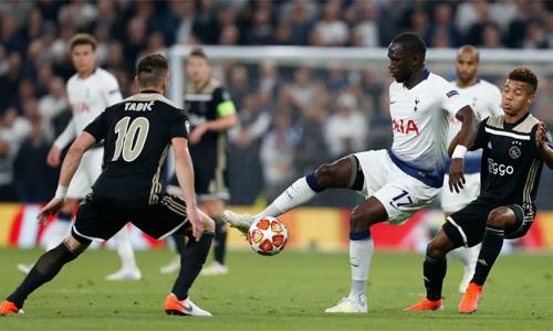 Sự góp mặt của Moussa Sissoko giúp tuyến giữa Tottenham đứng vững trước sức ép của đối thủ trong trận lượt đi. Ảnh: AFP.