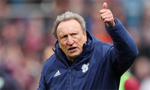 Ông Neil Warnock có 36 năm trong nghề HLV, từng dẫn dắt nhiều CLB thi đấu tại Ngoại hạng Anh như Crystal Palace, QPR hay Cardiff. Ảnh: Reuters.