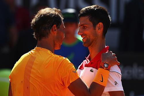 Bị đối thủ bắt bài, chiến thuật cũ của Djokovic đã không còn chứa đựng yếu tố bất ngờ và trở nên vô hiệu trước những cú lắc cổ tay đánh bóng cực xoáy của Nadal.