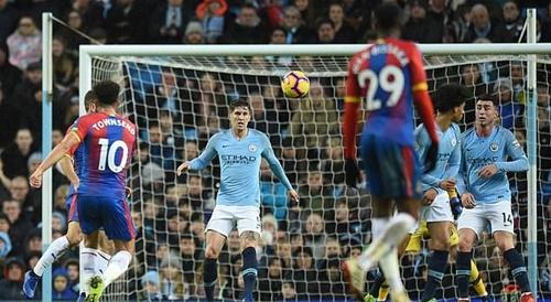 Hazard, Kompany trượt giải bàn thắng đẹp nhất mùa