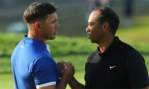 Mục tiêu của Koepka (trái) là vượt qua con số 15 major của Tiger Woods. Ảnh: Golfchannel.