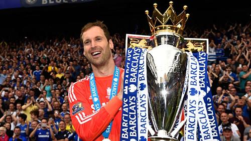 Cech giành bốn chức vô địch Ngoại hạng Anh cùng Chelsea. Ảnh:AFP.