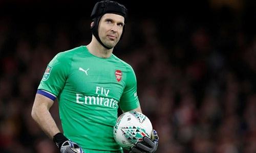 Cech sẽ chơi trận cuối trong sự nghiệp khi Arsenal đối đầu Chelsea. Ảnh: Reuters.