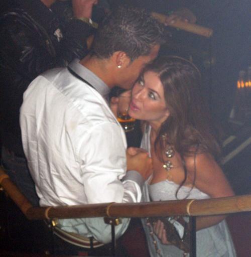 Hình ảnh thân mật giữa Ronaldo và Kathryn cách đây 10 năm.