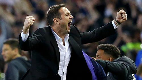 Lampard trở lại sẽ thuyết phục cả Ban lãnh đạo và CĐV Chelsea. Ảnh:AFP.