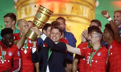 Niko Kovac có năm thứ hai liên tiếp đoạt Cup Quốc gia Đức. Ảnh: Reuters.