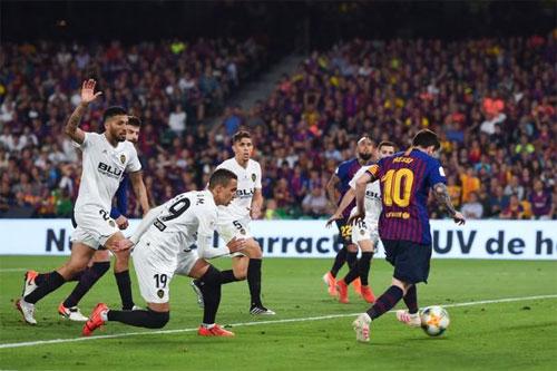 Messi chỉ gỡ được một bàn cho Barca. Ảnh: Reuters
