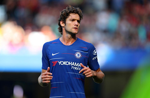 Alonso không giữ được vị trí đá chính dưới thời Sarri. Ảnh:AFP.