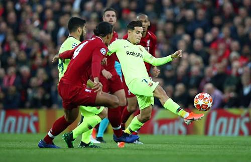 Coutinho thảm bại khi trở lại Anfield. Ảnh: AFP.