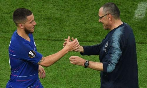 Sarri thành công trong việc giành thêm danh hiệu cho Chelsea. Ảnh: Reuters