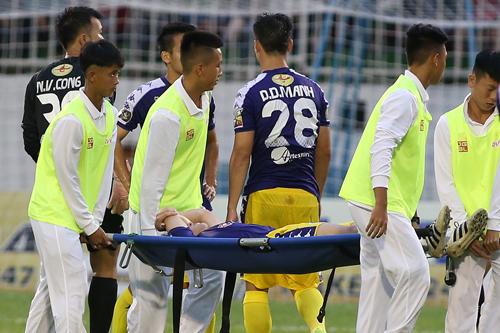 Tuấn Anh chấn thương, khó có thể cùng tuyển Việt Nam dự Kings Cup. Ảnh: Lâm Thoả