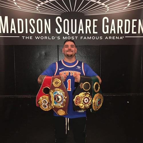 Giành đai ở khán phòng huyền thoại Madison Square Garden là giấc mơ thành hiện thực với tay đấm gốc Mexico sinh ra ở California.