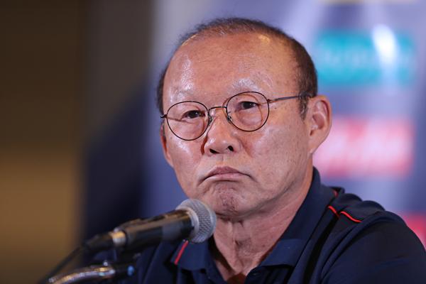 Ông Park bức xúc khi một số tờ báo Thái Lan đưa tin không đúng sự thật về phát ngôn của mình. Ảnh: Đức Đồng.