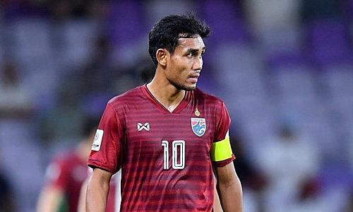 Teerasil đá chính ở lần gần nhất gặp Việt Nam, vòng loại World Cup 2018. Khi đó, Thái Lan thắng 3-0 ngay tại Mỹ Đình.