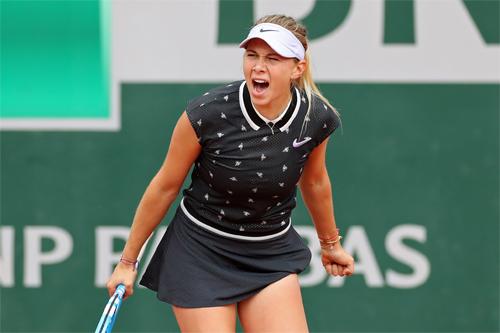 Anisimova đang là niềm tự hào của nước Mỹ tại Roland Garros năm nay, khi trình diễn lối đánh tấn công như vũ bão. Ảnh: AP.