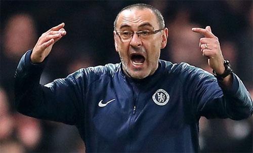 Sarri có thể chia tay Chelsea chỉ sau một năm dẫn dắt. Ảnh: Reuters