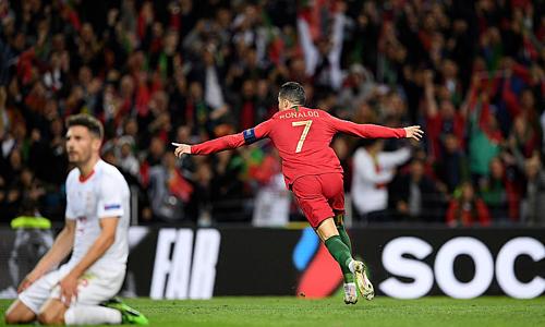 Ronaldo kết liễu Thụy Sỹ vào thời khắc quyết định ở cuối trận. Ảnh:PA.