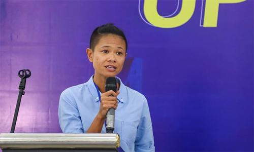 Chi Nguyễn tham gia nhiều hoạt động chia sẻ kinh nghiệm, truyền cảm hứng chạy, tập thể thao cho cộng đồng. Ảnh: NVCC.