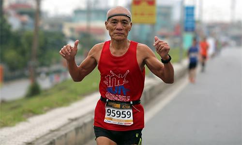 Ông Đỗ Hùng là bằng chứng cho thấy gánh nặng tuổi tác không ảnh hưởng đến khả năng tập luyện và chơi thể thao. Ảnh: NVCC.