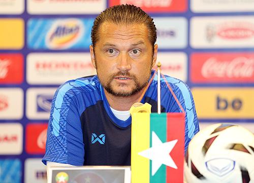 HLV Velizar Popov cho biết đã nghiên cứu nhiều về U23 Việt Nam.