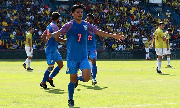 Thapa (số 7) mừng bàn thắng duy nhất trận đấu. Ảnh: IFT.