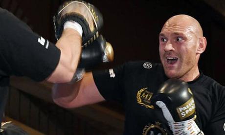 Fury đang chuẩn bị cho trận đấu với Schwarz vào ngày 15/6. Ảnh: Reuters.