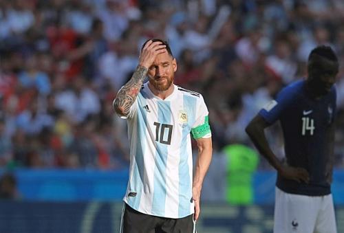 Messi trong trận thua Pháp ở World Cup 2018. Ảnh:AFP.