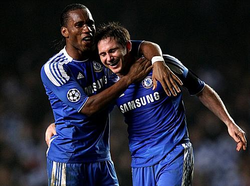 Drogba và Lampard cùng nhau tạo nên thập niên huy hoàng của Chelsea. Ảnh: AFP.