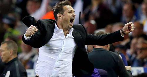 CĐV Chelsea đang hào hứng trước viễn cảnh người hùng một thời trở lại Stamford Bridge. Ảnh: AFP.