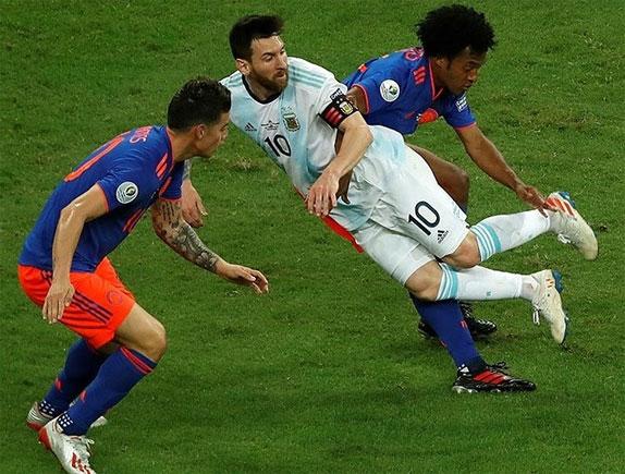 Colombia công thủ toàn diện và hơn hẳn về thế trận.
